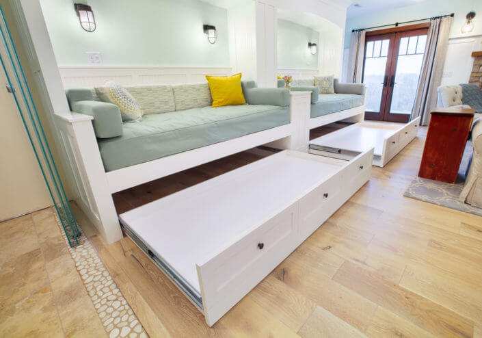 day beds that feature trundle bases
